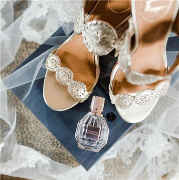 Henderson's Wharf Wedding Accessories