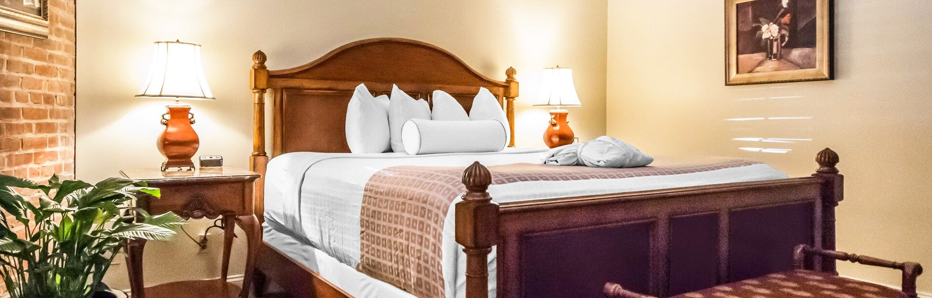 King Bed Cobblestone View Room at Inn at Henderson's Wharf Baltimore, Maryland