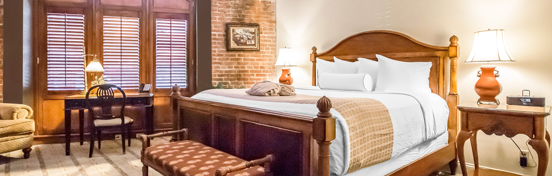 Queen Bed Cobblestone View Room at Inn at Henderson's Wharf Baltimore, Maryland
