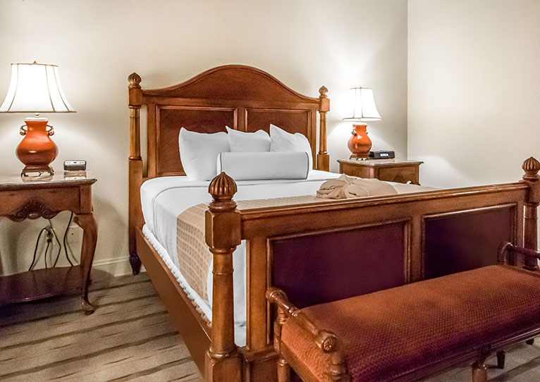 Queen Bed Garden View Room at Inn at Henderson's Wharf Baltimore, Maryland
